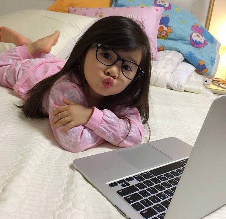 Компьютер в подарок девочке
