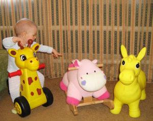 Какую игрушку выбрать девочке на 1 год