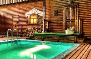 Бассейн в бане изумрудного цвета