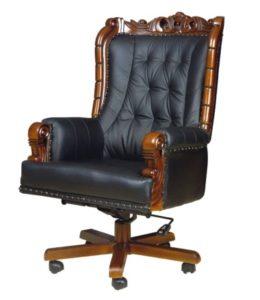 Богатое декором кресло из кожи в офис