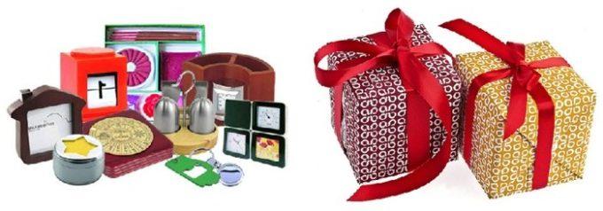 Две праздничных коробки и рядом то, что может быть в подарках