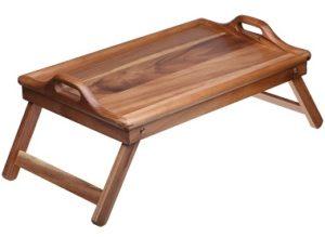 Деревянный столик для еды в постели