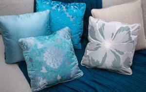 Декоративные подушки в подарок