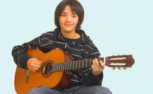 Гитара мальчику-подростку в подарок