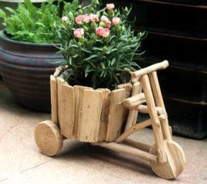 Деревянный велосипедик для цветов