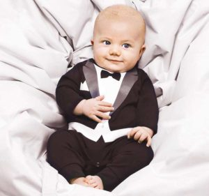 Солидный костюмчик малышу