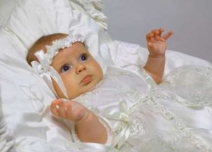 Малышка на крещение