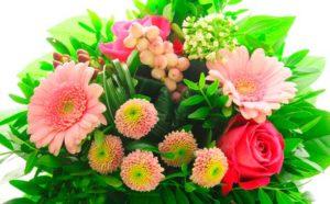 Букетик цветов для пожилой дамы