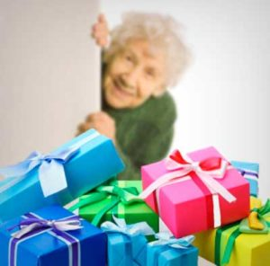 Бабуля и подарки