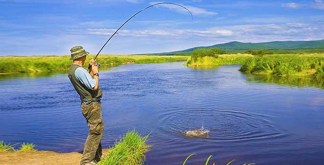 Что подарить рыбаку на день рождения
