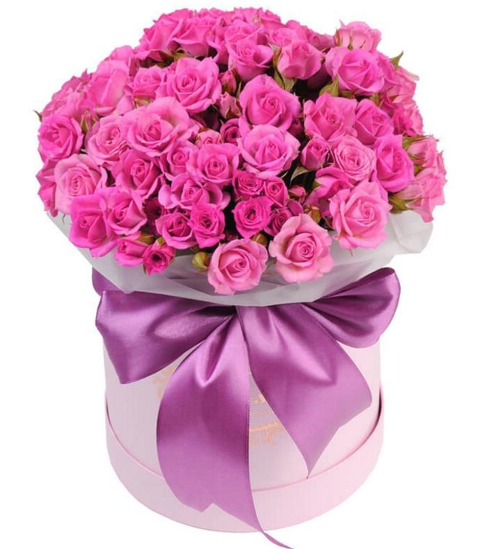 Модная тенденция - шляпные коробки с розами