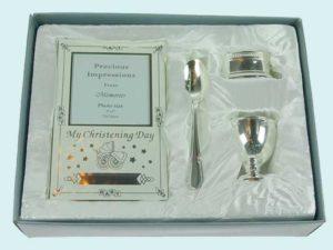 Серебрянный набор в подарок на крестины