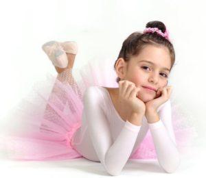Девчушка балерина