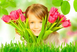 Цветы в подарок маленькой представительнице прекрасного пола