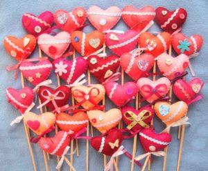 Изящные сердечки на палочках