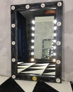 Зеркало как дверь в потусторонний мир
