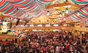 Cannstatter Volksfest - огромный народный праздник