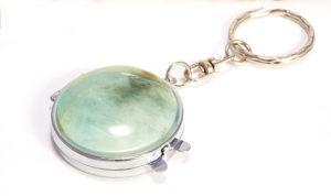 Брелок с берилловым камнем