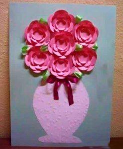 Открытка с цветами в вазе