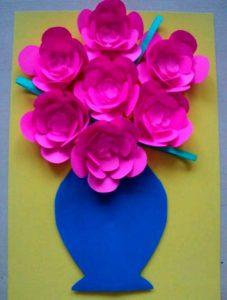 Открытка с цветами в вазе маме