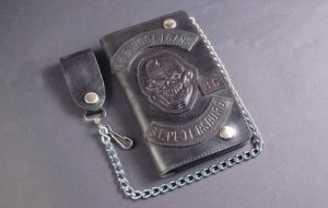 Бумажник в подарок байкеру