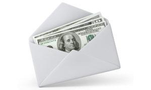 Конверт с деньгами от сотрудников на День рождения