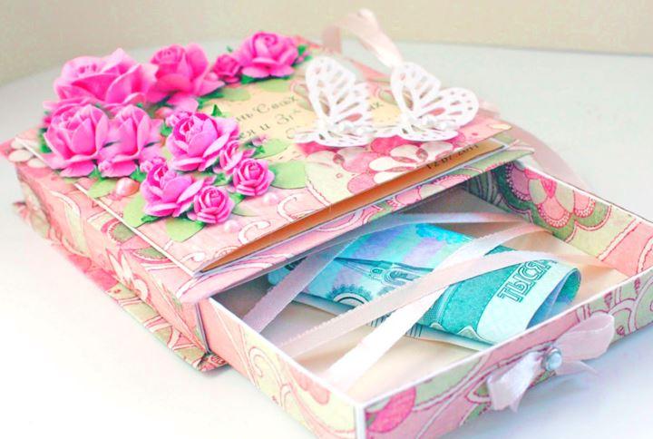 Деньги в розовой коробке