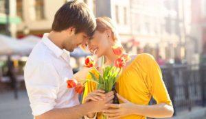 Девушка с любимыми цветами