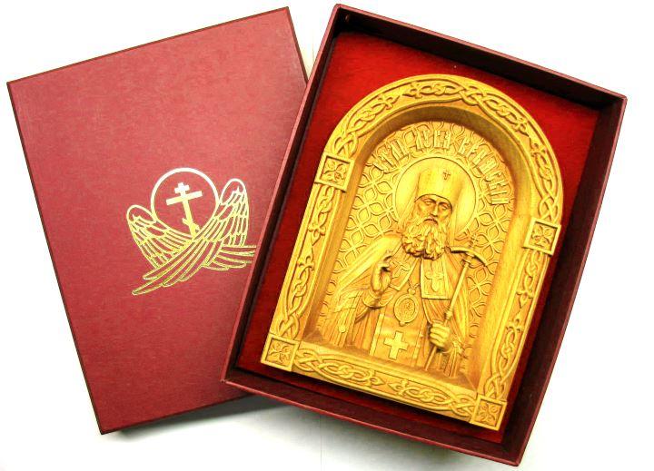 Икона резная в красной подарочной коробке