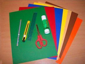 Инструменты и материалы, необходимые для изготовления открытки