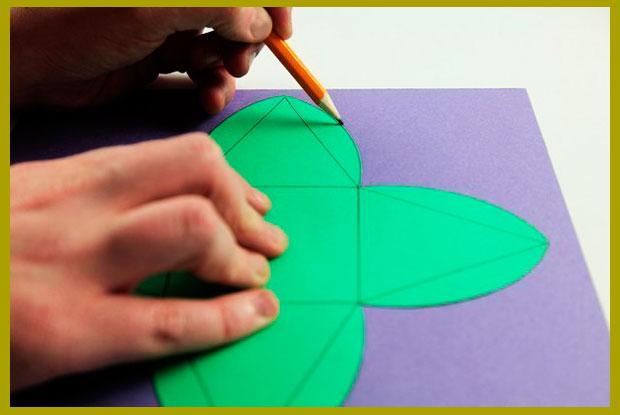 Рисуем подарочную коробочку призму или пирамидку