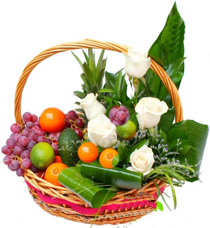 Корзинка с цветами и мандаринами