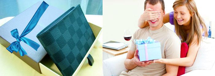 Подарок любимому человеку и кошелек в упаковке