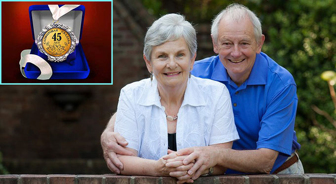 Сапфировые молодые и медаль 45 лет вместе
