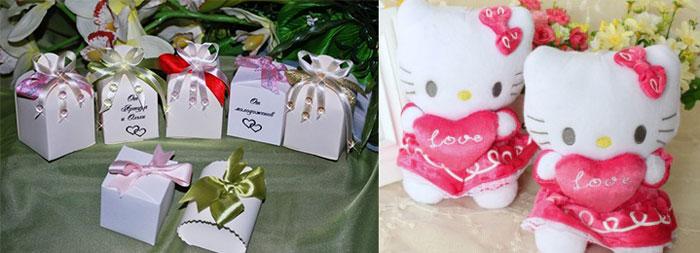 Коробочи с подароком и маленькие игрушки