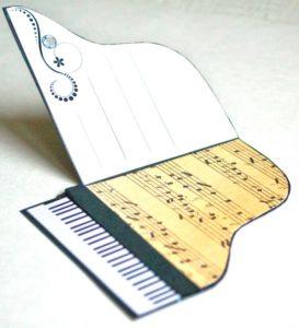 Открытка рояль