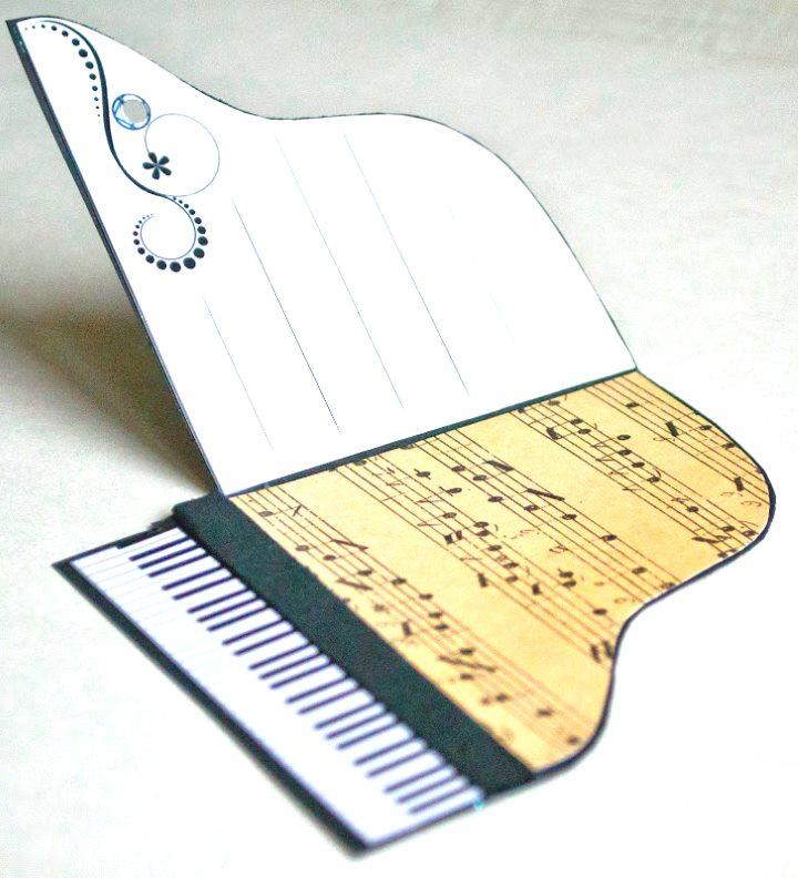 сделать открытку с музыкой в виде файла проводит