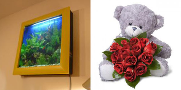Настенный аквариум и мишка с розами