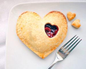 Пирожки в виде сердечка