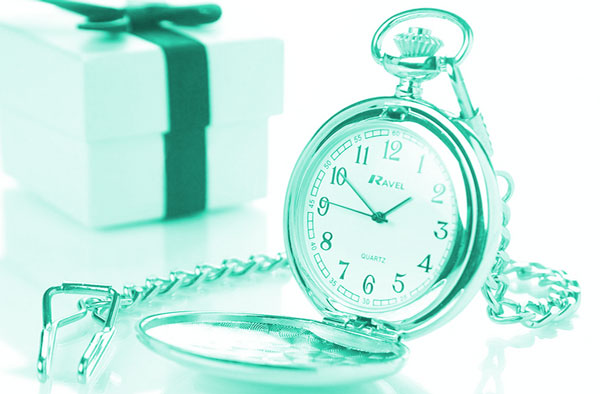Часы и подарок