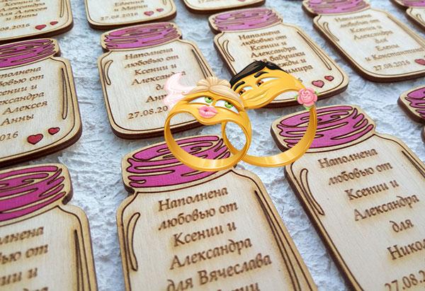 Подстаки с форме баночек с надписями на свадьбу
