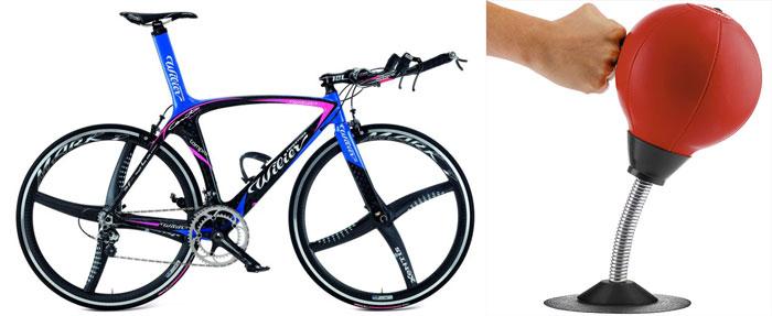 Спортивный велосипед и груша