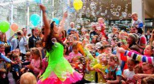 Организованный детский праздник в центре развлечений