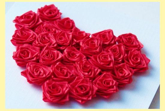 Валентинка из бумажных розочек
