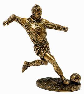 Бронзовая статуэтка футболиста