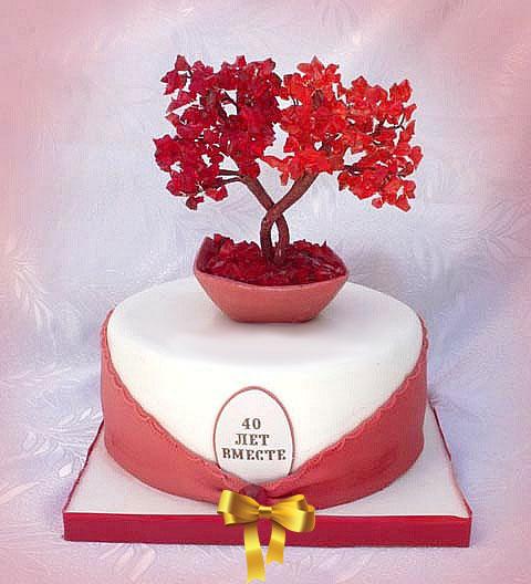 дерево любви красное