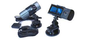Видеорегистратор с двумя камерами в подарок