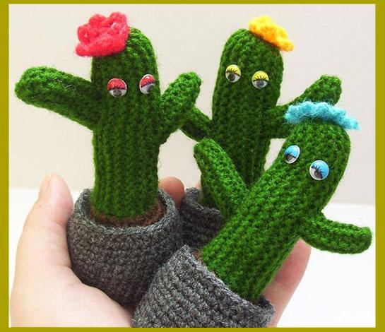 Вязанные кактусы