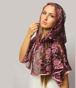 Красивый платок в подарок