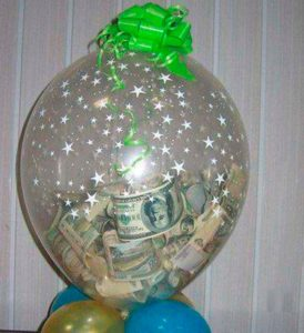 Летающий шар с деньгами